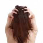 女性も気になる抜け毛。シャンプーで出来る対策とは?